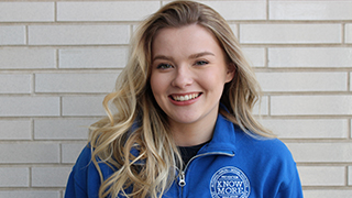 Headshot of Julia Hussey x320