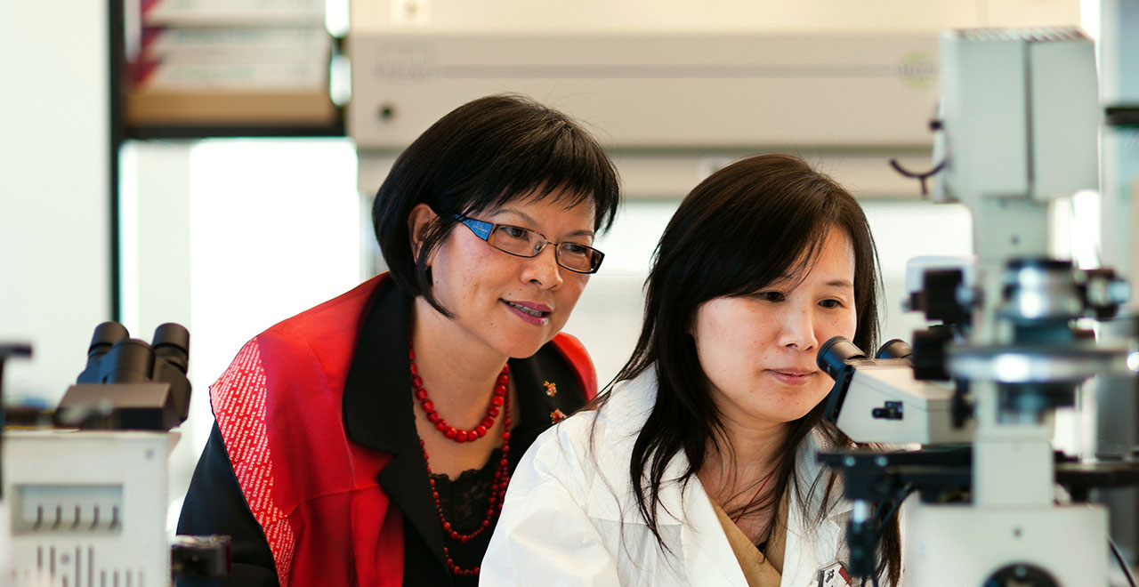 Professor Sulie Chang Working in a Research Lab