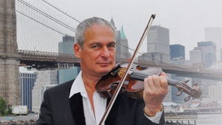 David Podles plays violin