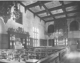 1931. The chapel in the ballroom of the Macmillan Mansion. The altar is set in the fireplace. - AAN